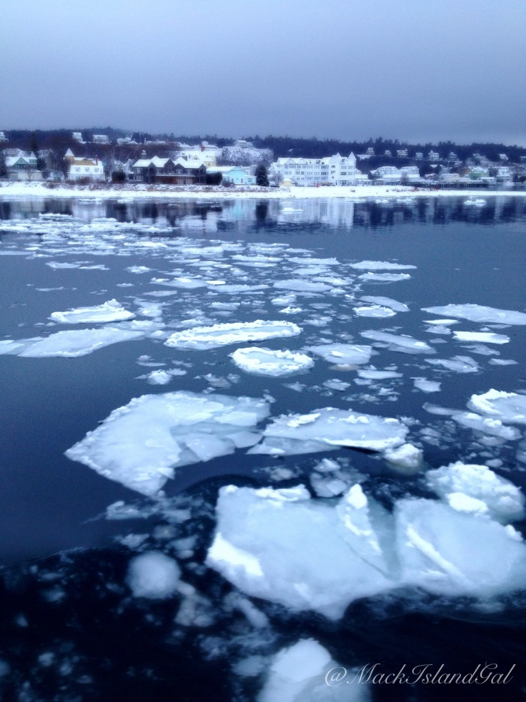 Ice floating around the water