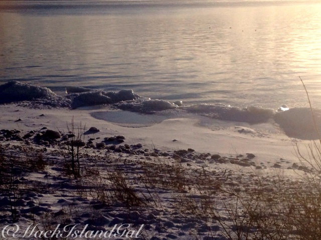 6-mackinac-island-gal-icy-mountain2